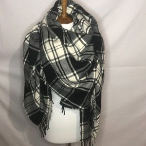 J.crew black and white blanket scarf wrap